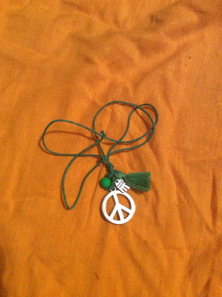 Mais um com o símbolo da paz....