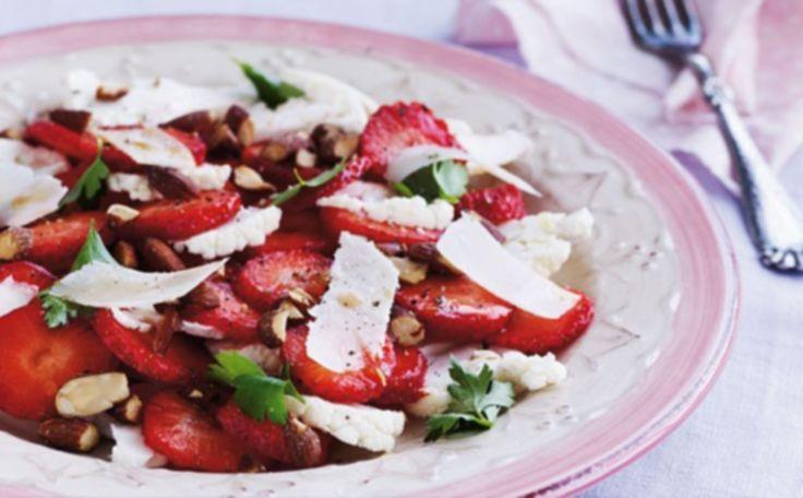 Jordbærcarpaccio med parmesan og persille