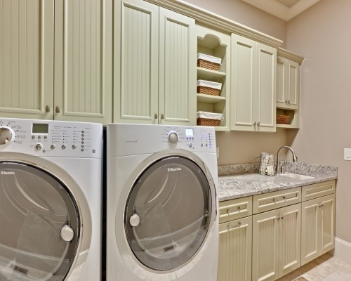 laundryStorage Spaces, Dreams Laundry Room, Small Bathroom Design, Laundry Room Storage, Doors Design, Laundry Room Design, Laundry Rooms, Cabinets Design, Cabinets Doors