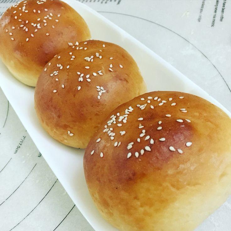 Baked Siopao (baked Char Siu Bao) pinoy