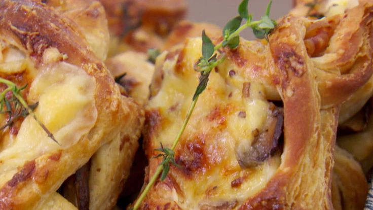 This croque monsier kites recipe is featured in Season 4, Episode 5.