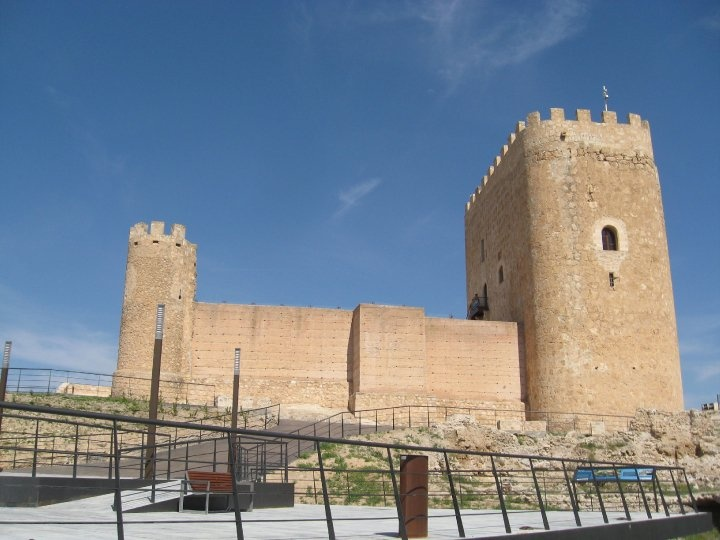 Jumilla Castle - well worth a visit!     There will be special dramatised visits on 24 June, 26 August and 25 November: contact Jumilla tourist office to book your place. Cost of the minibus from the tourist office up to the castle is 1.20€.  That shouldn't break the bank!