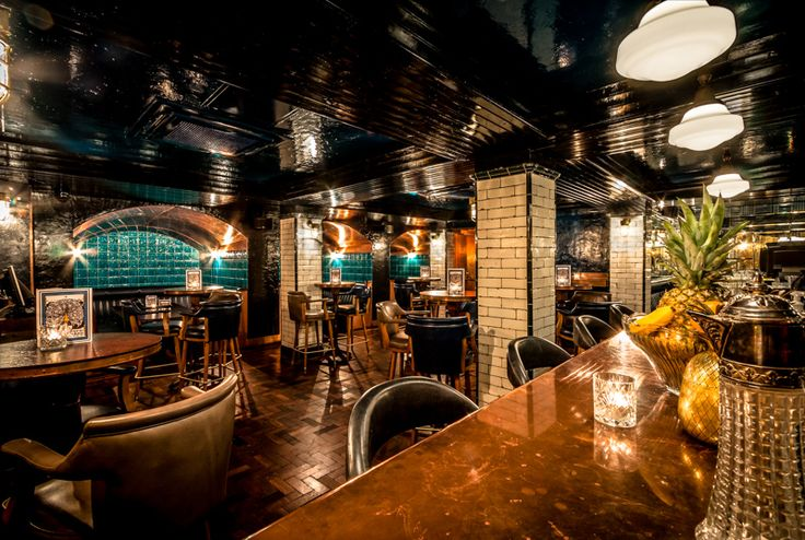 The bar at Hawksmoor's Spitalfields branch has a wide range of decadent cocktails on offer, all served with a well-dressed smile. #oldstnewbars #oldstnewrules