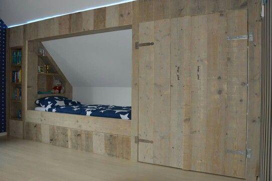 Stoere jongens slaapkamer gemaakt van steigerhout. Bedstee. Gemaakt door www.geertbouten.nl