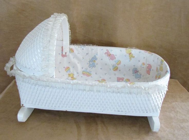 Vintage Baby Doll Cradle Bed White Wicker Rocking 20 Quot Long