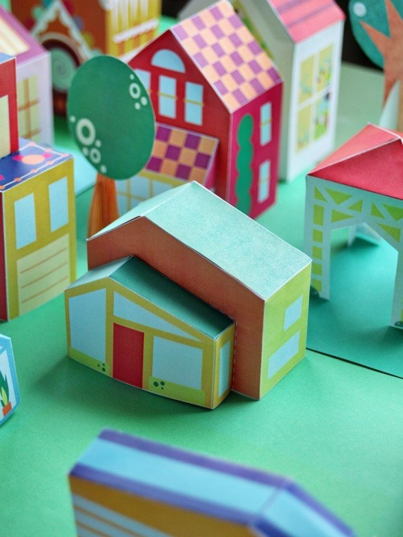 Free printable mid-century modern house to download and make with your kids. via SmallforBig.com. See ALL TWELVE DOWNLOADS for more fun! #printable #diy #kids #crafts