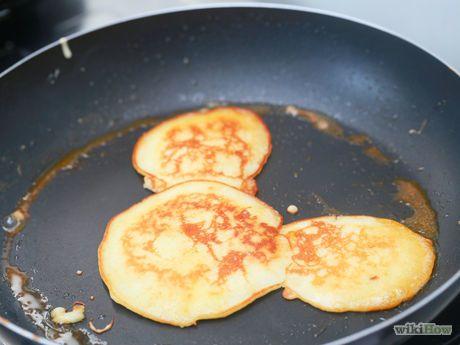 Make a Mickey Mouse Pancake Step 6.jpg