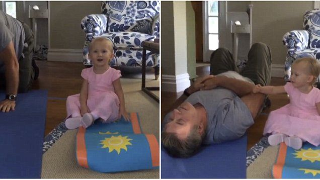 Alec Baldwin plays doting dad with his two children and ...