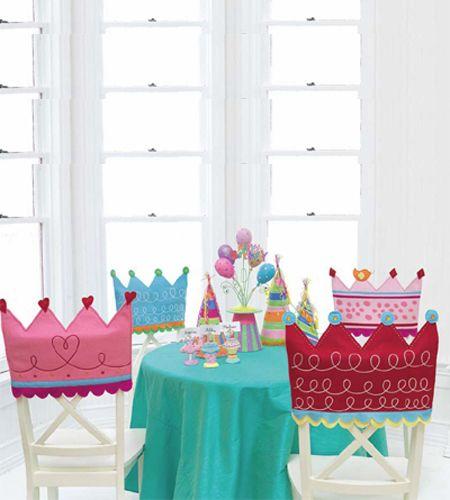 decorar las sillas con coronas