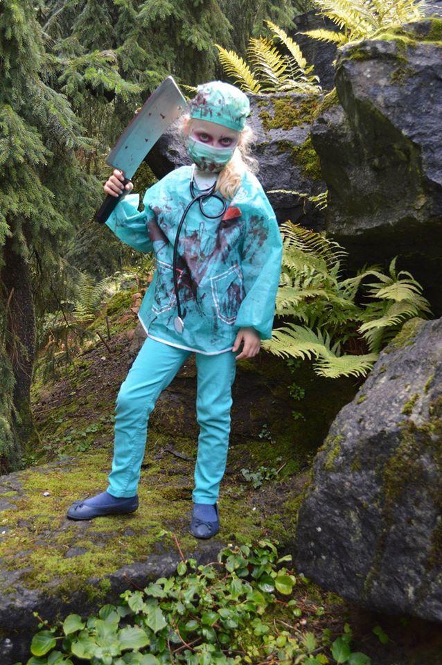 Arwen als chirurg @ Elfia Arcen 2014 met Grimas make-up