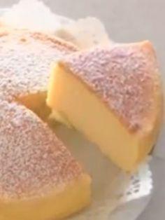 Unsere neueste Entdeckung: ein Soufflé Cheesecake aus 3 Zutaten - bereits 1,6 Millionen Fans im Internet. Frischkäse und weiße Schokolade - himmlisch!