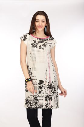 Flat 30% Off on Women Indianwear brands at ShoppersStop. Offer Valid till Stocks Last, So Hurry Now!!