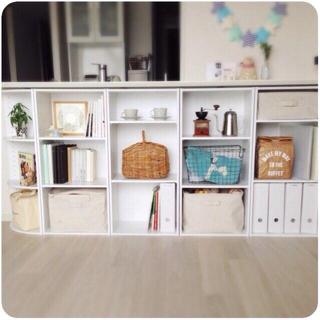 so73osさんの、棚,無印良品,カラーボックス,収納,ディスプレイ,ニトリ,ガーランド,キッチンカウンター,九谷焼,北欧暮らしの道具店,アルバム収納,無印良品 ラタンボックス,のお部屋写真