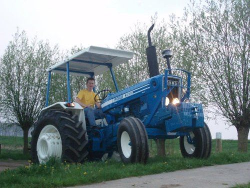 best 25 ford tractors ideas on pinterest tractors john. Black Bedroom Furniture Sets. Home Design Ideas
