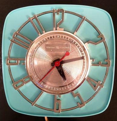 Beautiful 1950s Mid Century Modern Retro GE Wall Kitchen Clock   Aqua