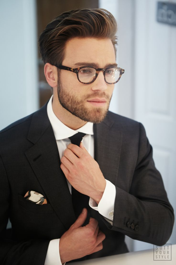 Subtle grey suit with pocket square and circle glasses. #mens #fashion #suit #business #london