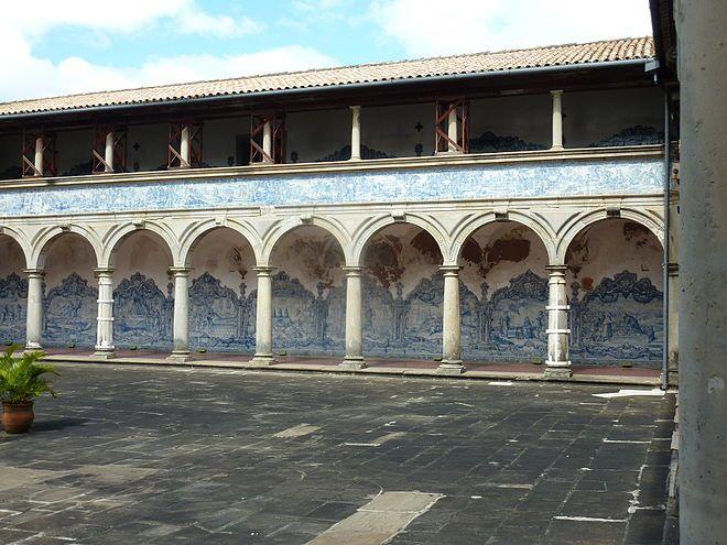 Salvador da Bahia | Convento de / Convent of São Francisco | claustro / cloister | 1749-1752 #Azulejo #AzulEBranco #BlueAndWhite #Barroco #Baroque #Brasil #Brazil