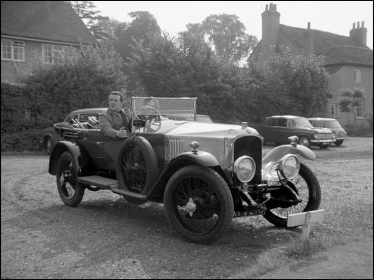 1928 Vauxhall 30/98 in The Avengers