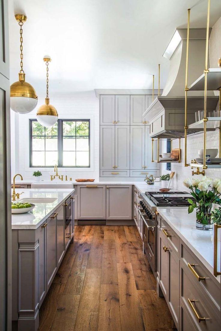 Modern Farmhouse Style Home In California With Glamorous Elements Interior Design Kitchen Farmhouse Kitchen Design Modern Farmhouse Kitchens