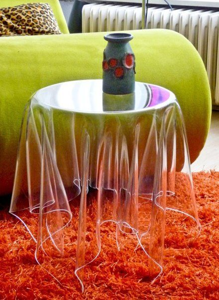 Invisible table cloth table for #Halloween. Brilliant!