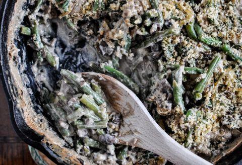 Lightened Up Fresh Green Bean Casserole I howsweeteats.com