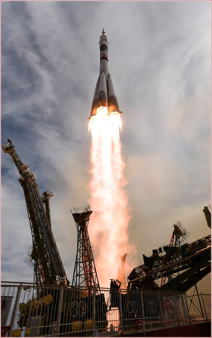 best images about space exploration astronauts soyuz tma 18m lifts off on sept 2 2015 credit esa