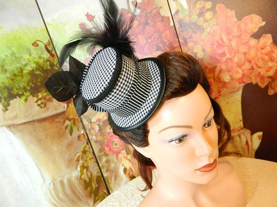 Minihat bw gingham stripes Gothic Burlesque clubbing Hat Millinery Tophat romantic victorian Steampunk Larping Wedding