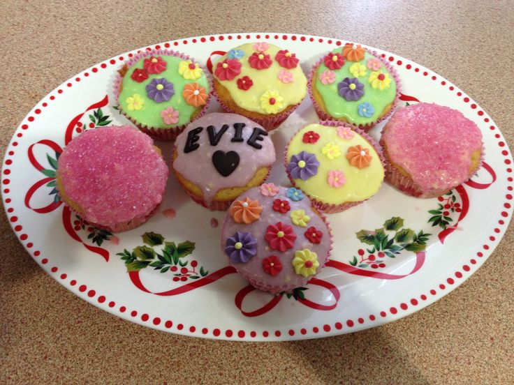 Cute Cupcakes with my niece