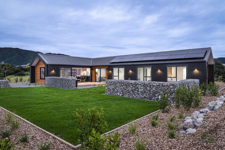 A stunning great house with nice view designed by Peter Davis from AD Architecture  #ADNZ #architecture #homeandview