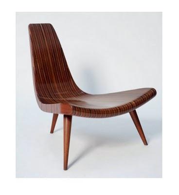 cadeiras e poltronas do design brasileiro (a Joaquim Tenreiro chair in the pic)