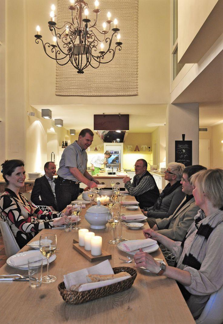 Esszimmer landhaus l sch f r freunde hornbach for Design hotel pfalz