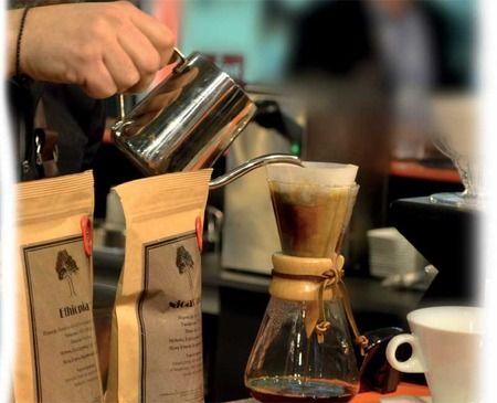 Νέο κατάστημα COFFEE BERRY στην Καλλιθέα! To απόλυτο third wave concept συνεχίζει τη δυναμική του ανάπτυξη με μια ακόμη franchise συνεργασία! Το νέο κατάστημα στην Καλλιθέα σερβίρει ήδη στο κοινό μοναδικούς speciality coffee και αναδεικνύεται σε σταθερό third wave coffee spot της τοπικής αγοράς.