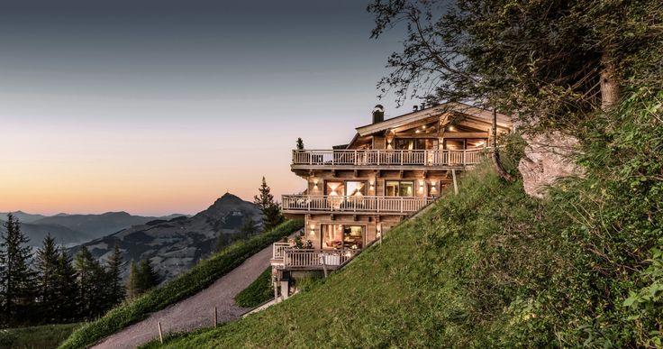 Das luxuriöse Hideaway mit 5-Sterne-Service und Ski-In & Ski-Out im Skigebiet Kitzbühel, 50 m vom Start des Hahnenkamm-Rennens entfernt.