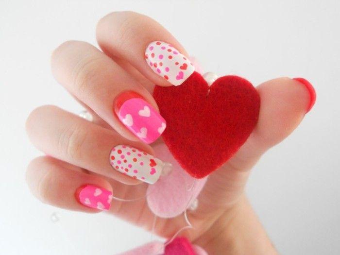 deco ongle, manucure rose et blanche, points colorés, petits coeurs