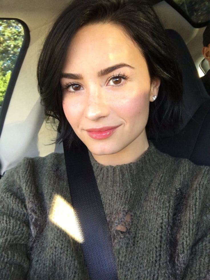 demi selfie lovato