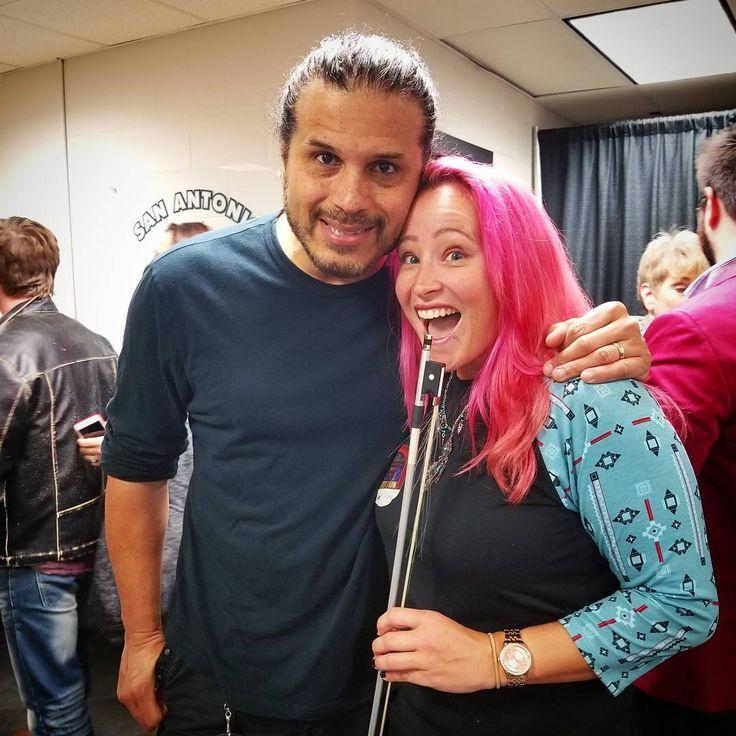 """28 kedvelés, 1 hozzászólás – Danielle Marie Meyers (@dani07april06) Instagram-hozzászólása: """"😲😲😲😲 STARSTRUCK!!!!!!! I got to meet @jeffscottsotoofficial !!!!!!!!!! Not my favorite picture, so…"""""""