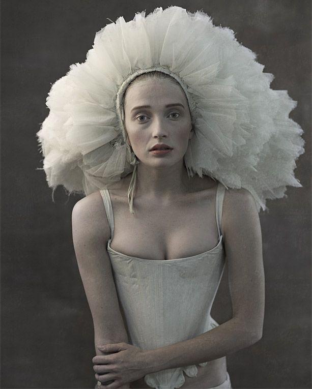 Photo by Erik Almas #girl #story #fairytale #magic #wonderland #flowercrown #princess #warrior