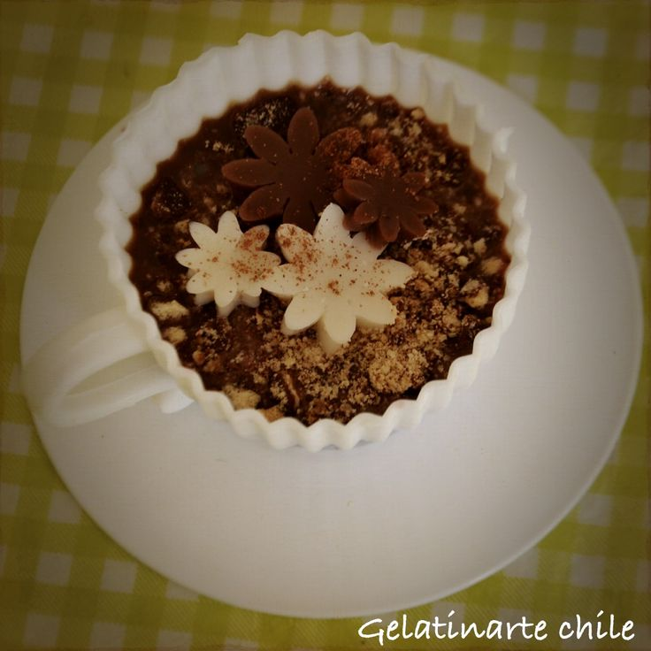 Jelly coffee.  Deliciosa gelatina de cafe ,galletas chips y chocolate.