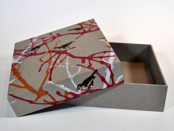 Souvenirdoos met linoprint patroon. Bewaardoos door PapierRivier