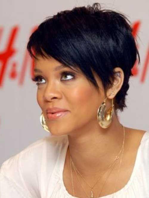 15 Best Rihanna Pixie Cuts | http://www.short-haircut.com/15-best-rihanna-pixie-cuts.html
