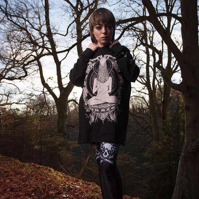 "CRMC X Vivid Black Artistry ""TEM.ple O.mnium H.ominum P.ads AB.ba"" Longsleeve Tall Tee & CRMC X @lzhra ""Satan's Waitin'"" Leggings Available at www.crmc-clothing.co.uk | WE SHIP WORLDWIDE Models - Izabella-Rae Jaxx Photography - Adrian Mcnab #darkwear #need #blackwear #want #cozy #altfashion #alternative #niche #fashionstatement #fashion #baphomet #leggings #iloveblack #womenwithtattoos #winter #winterfashion #style #alternativeguy #alternativeboy #girlswithtattoos #tattooedwomen"