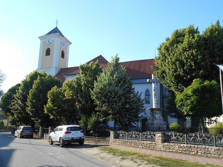 Szent Adalbert római katolikus templom (Bajna) http://www.turabazis.hu/latnivalok_ismerteto_105 #latnivalo #bajna #turabazis #hungary #magyarorszag #travel #tura #turista #kirandulas