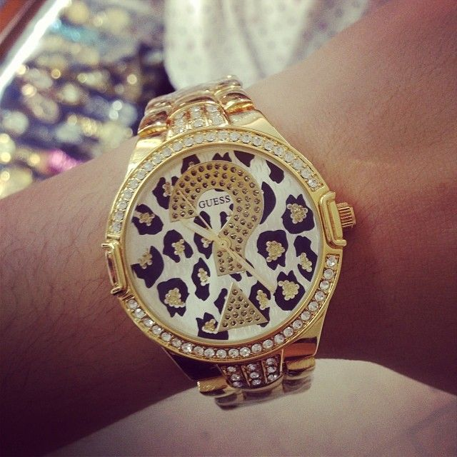 Guess Watch... I need this watch...mainly because I have no idea what time it is anyways so the ? Works for me lol