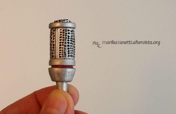 Portachiavi microfono miniatura di LaBottegadimarika su Etsy
