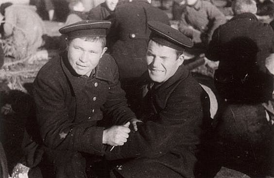 Prisoners. ... WW2.Those captured Soviet soldiers Marines separated from clothing insignia. With caps tape already removed.