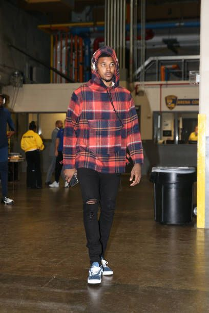 Nick Young of the Golden State Warriors arrives before the game against the New Orleans Pelicans on December 4 2017 at Smoothie King Center in New...