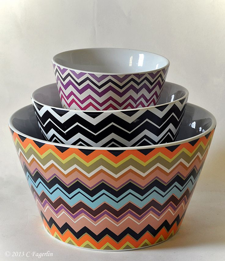 Loving these colorful chevron bowls by Missoni Home.