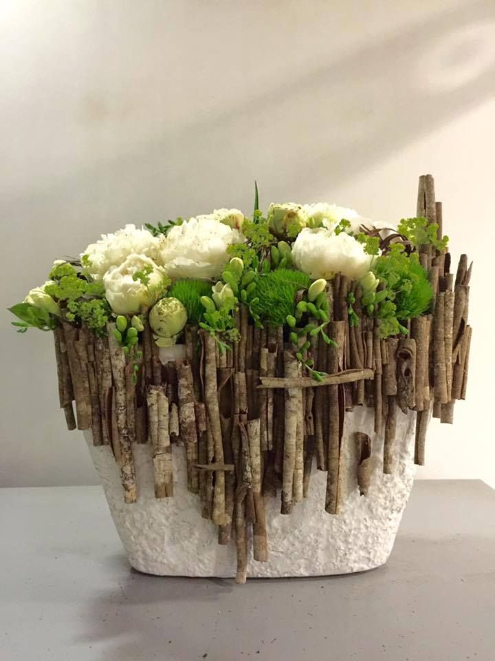 Designed by Koldo Esparza using wild cinnamon sticks.