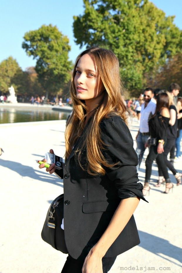 Karmen Pedaru, Paris, October 2011