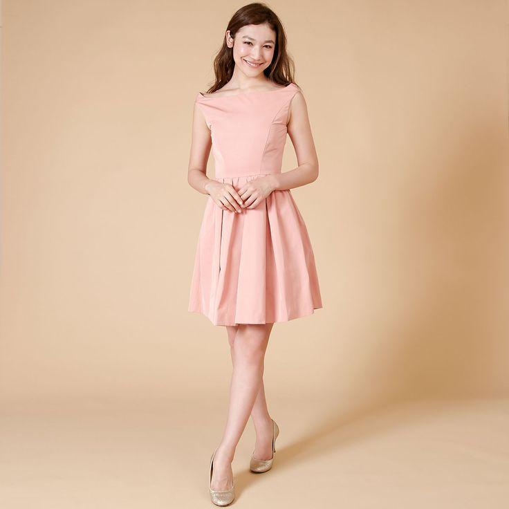 デコルテがキレイに見えるオフショルダー・ブライズメイドドレス。#Bridesmaid#ブライズメイド#DRESSPEOPLE#ドレスピープル#pink